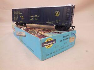 HO-SCALE-ATHEARN-B-amp-O-50-039-BOX-CAR-BLUE-BOX-KIT-BUILT-1-2