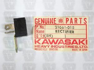 KAWASAKI 69-81 G3SS//TR G5 KS125 KE//KH//KM100 KS//KE125 RECTIFIER NOS 21061-015