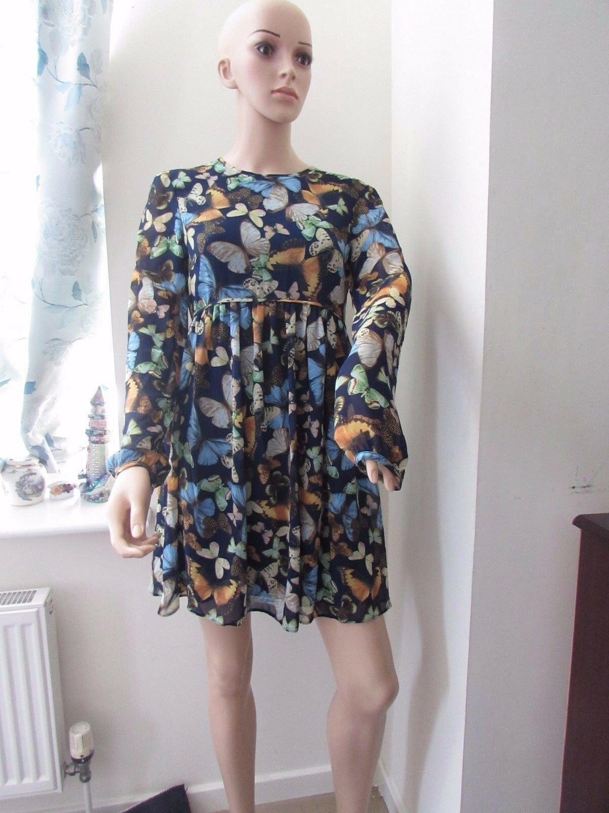 ASOS Swing Dress Butterfly Print Sleeves    10   12  Navy Multi | Qualitätskönigin  | Ein Gleichgewicht zwischen Zähigkeit und Härte  | Verschiedene Stile und Stile  93b587
