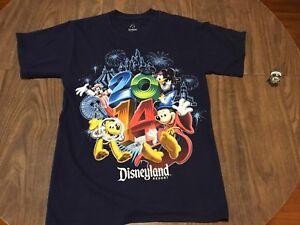 Disneyland-Resort-Walt-Disney-World-2014-Small-T-Shirt