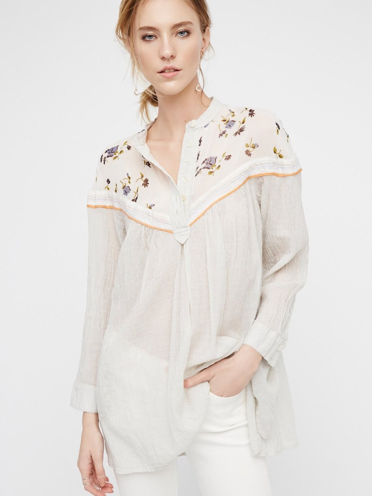 Free People Hearts And Farbes Top.  NWT.  Extra SMALL.  Farbe Is Neutral.