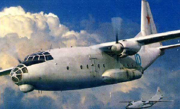 Amodel - Antonov An-8 Vsu Tg-16 Urss 1 72 Air Force Museo Monino
