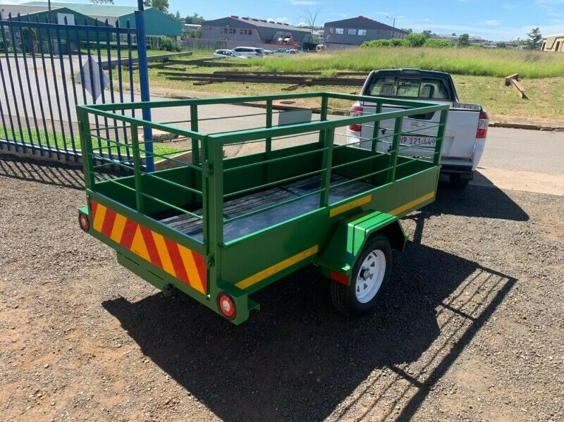 2.5 x 1.3 x 800 high Utility trailer for sale