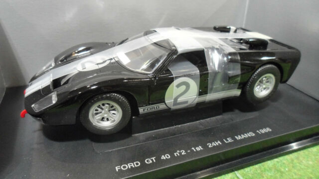 FORD GT 40 LE MANS 1966 #2 WINNER 1/18 UNIVERSAL HOBBIES 3019 voiture miniature