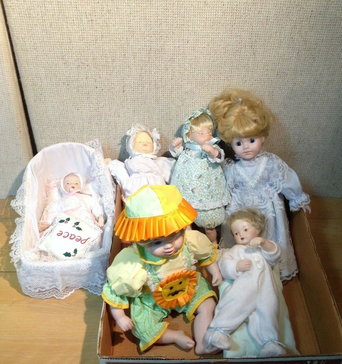 Six Cute Vintage Porcelain Dolls (6)
