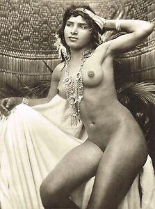 Vintage female nude photos
