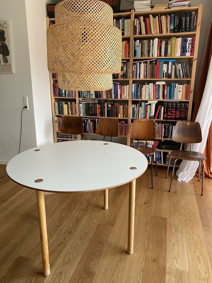 Spisebord, Bøg, MDF med sort/hvid melamin
