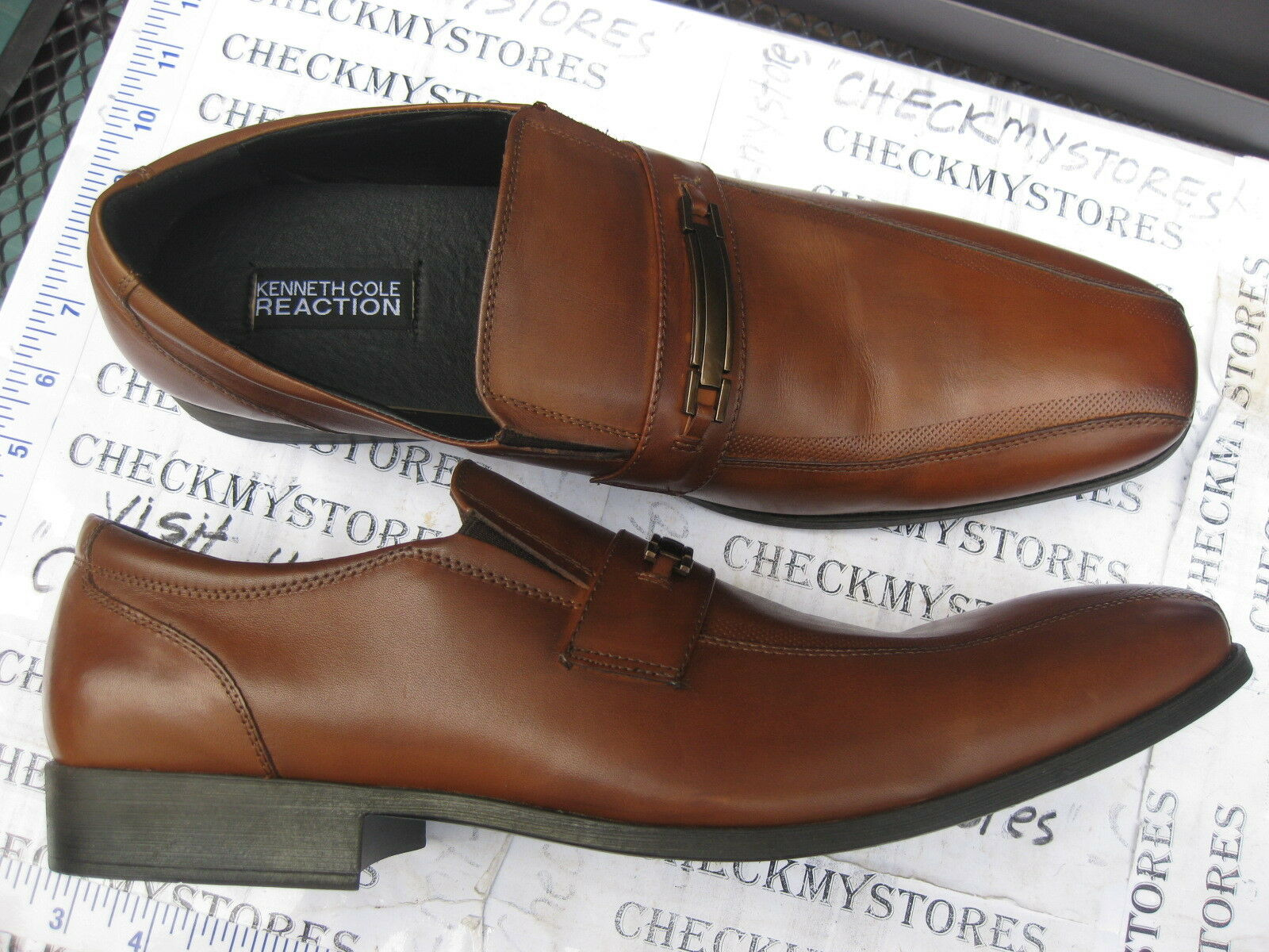 NEW NEW Kenneth Cole Reaction IN DEW TIME LE SLIP ON LOAFER MR62272LE