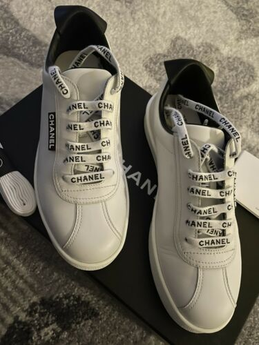 Chanel Sneakers 37