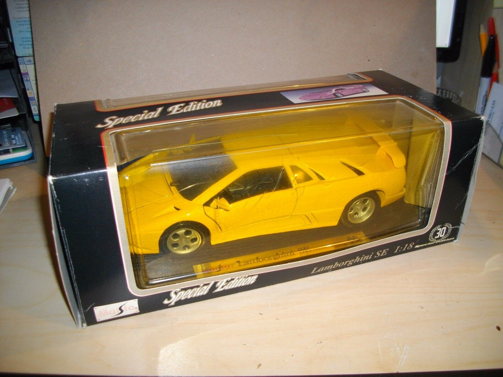 NEW Boxed 1 18th Scale Diecast Car Lamborghini SE 30y SPECIAL EDITION Maisto