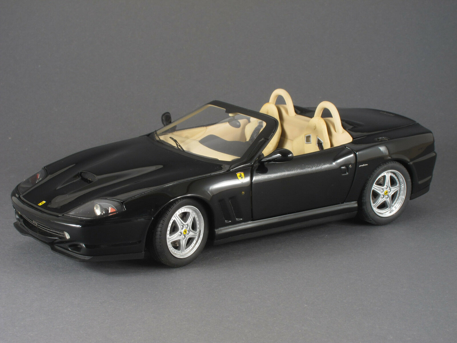1 18 Hot Wheels Elite Ferrari 550 Barchetta Pininfarina 2000 - black - 141727