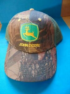 NEW JOHN DEERE CAMOUFLAGE OLIVE GREEN MESH SNAPBACK TRUCKER'S CAP HAT   B