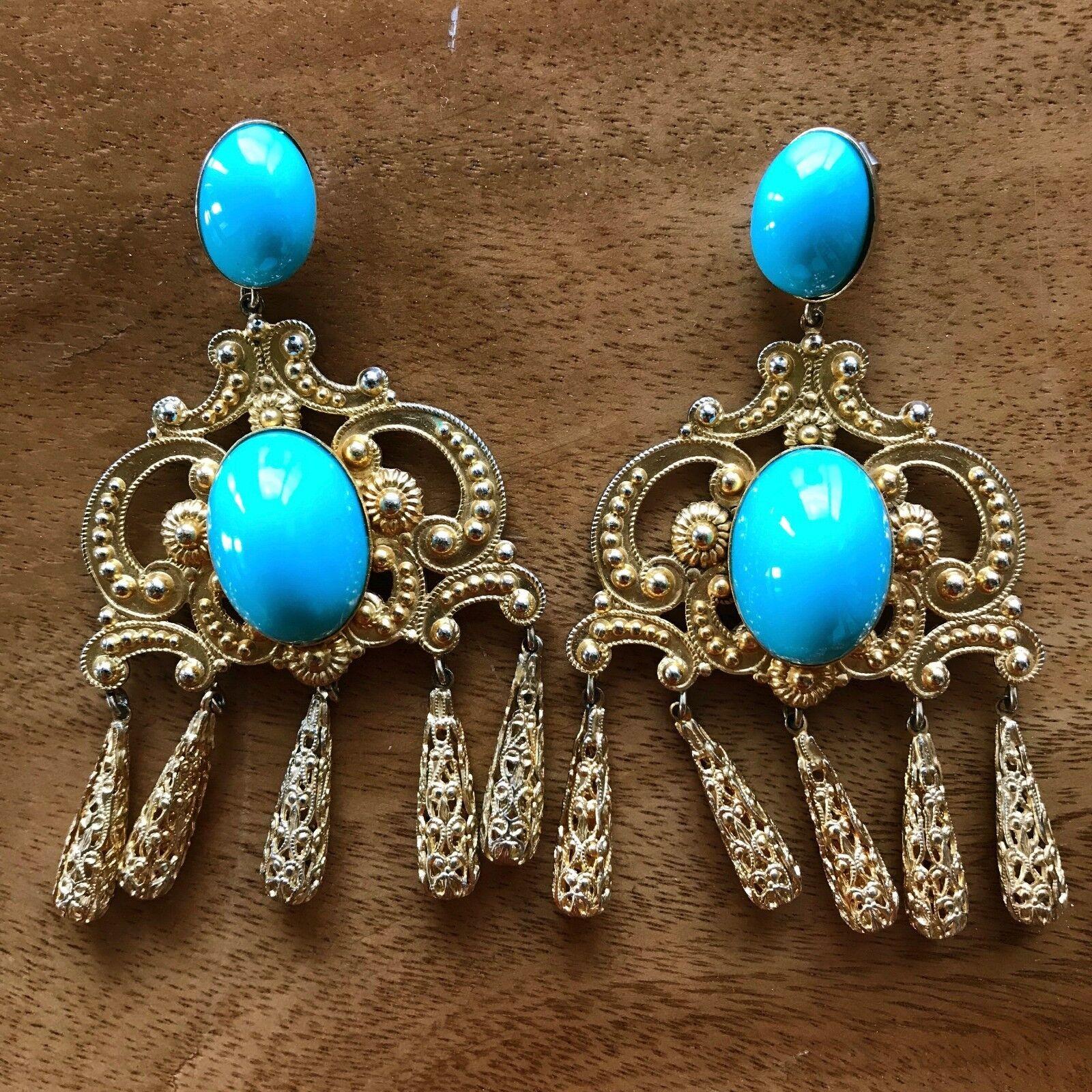 Vintage Woman's Dangle Turquoise Elegant Beautiful Earrings