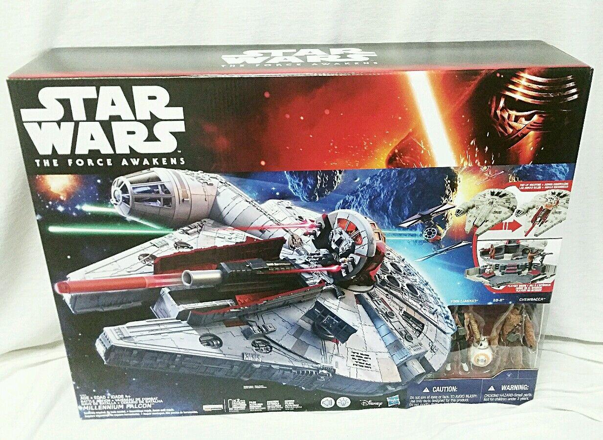 2015 Star Wars The Force Awakens MILLENNIUM FALCON w  Chewbacca & Finn Figures.