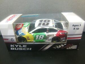 NEW-Kyle-Busch-2018-M-amp-M-039-s-White-Chocolate-1-64-Camry-Monster-Energy-Cup
