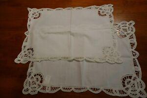 Vintage-Set-of-2-Beautiful-White-Placemats-100-Cotton-18-034-x-12-034-Scalloped-Edges