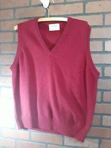 Vintage-LL-Bean-Mens-L-Sweater-Vest-Burgundy-LambsWool-Knit-V-Neckline