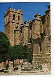 Postal Mora de Rubielos (Teruel) Plaza de la Iglesia y fuente.