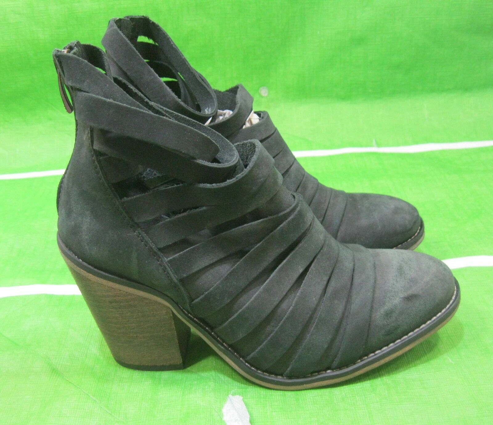 Free People black 3.5 3.5 3.5 block heel leather strap round toe  Ankle Boots Size 5.5 48a802