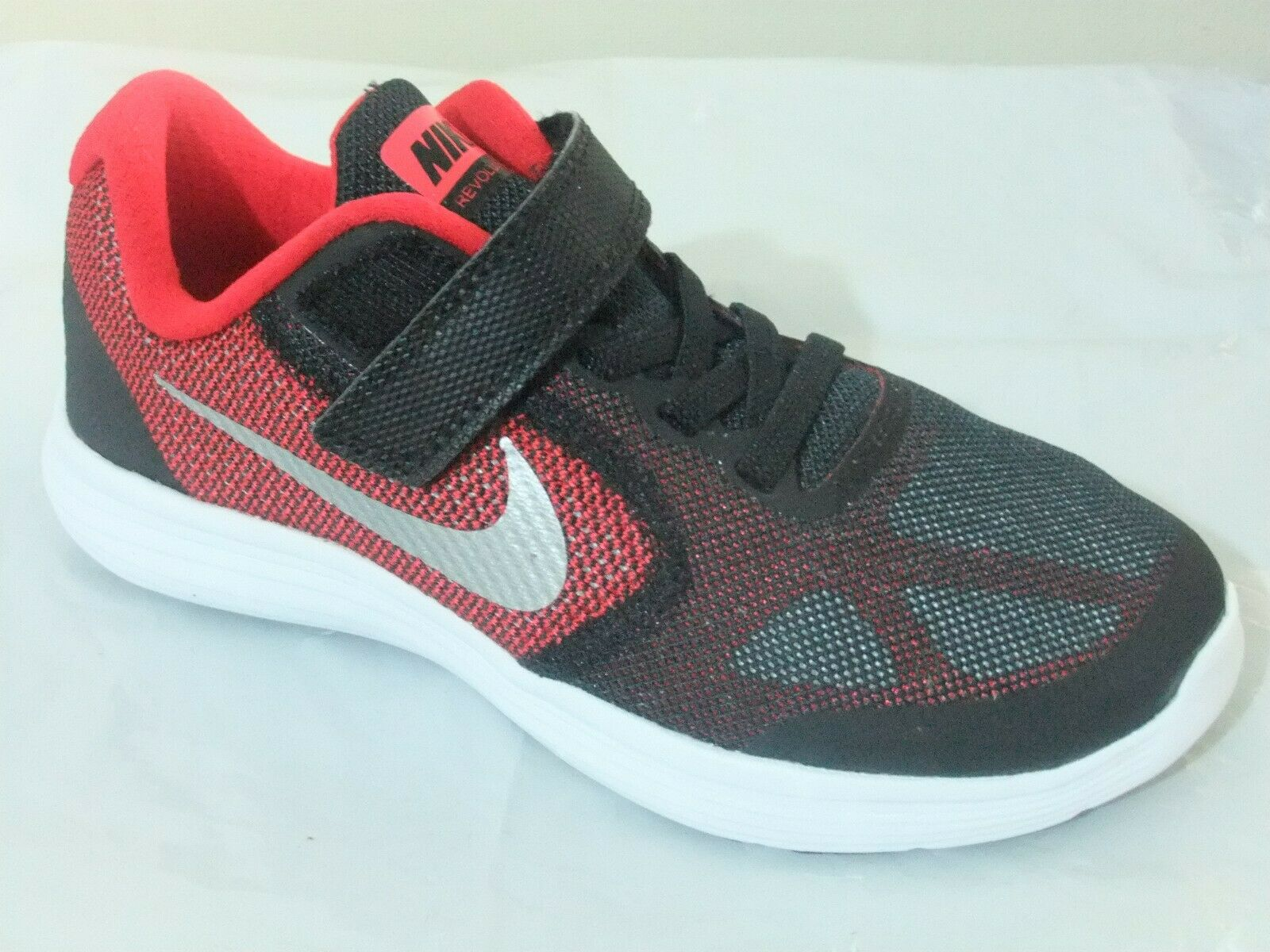 NIKE REVOLUTION 3 BOYS STRAP UP SHOES TRAINERS UK SIZE 11 - 2.5   819414 600
