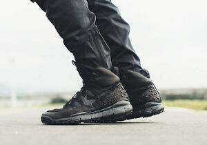half off 82ffd e25f7 ... Nike-Lupinek-Flyknit-Acg-Noir-Anthracite-Chaussures-Homme-