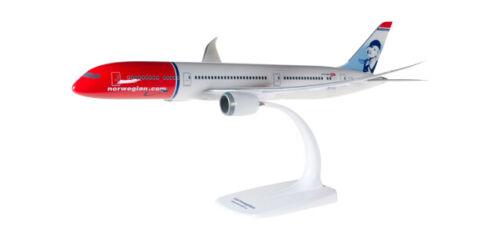 Herpa Snap Wings 1:200 Boeing 787-8 Norwegian Freddie Mercury 611503
