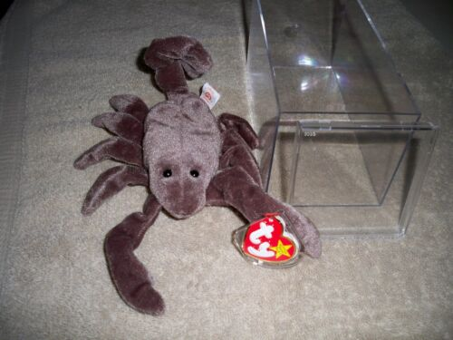 Case and P.E 1997 Stinger Beanie Baby with Tags Pellets