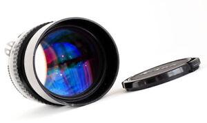 Nikon-Nikkor-135mm-f2-8-1981-AI-schoen