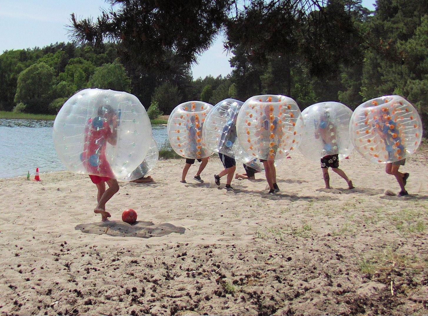 8 x Bubble Soccer Body Soccer Bumper Balls mieten inkl Anlieferung in Meck-Pom