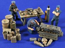 Verlinden 1/32 Luftwaffe Repair Section WWII (3 Figures, Parts and Table) 2774