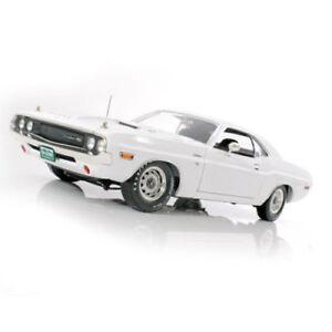 1-18-Greenlight-1970-Dodge-Challenger-R-T-fluchtpunkt-San-Francisco-nuevo