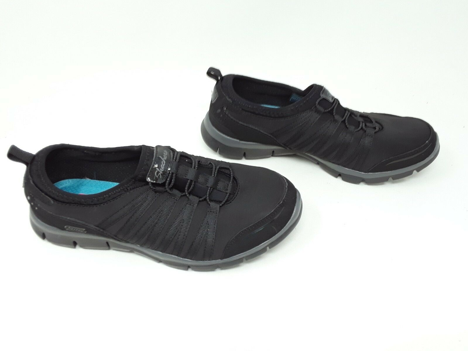 New   Women's Skechers Gratis EW wide width Sneaker 1Y