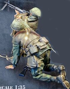 Resin 1//35 Vietnam Commander /& Driver Nam War unpainted unassembled BL345