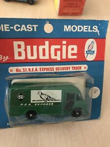 RARE-BUDGIE-TOYS-No-57-R-E-A-EXPRESS-DELIVERY-TRUCK-IN-BLISTER-MADE-IN-ENGLAND