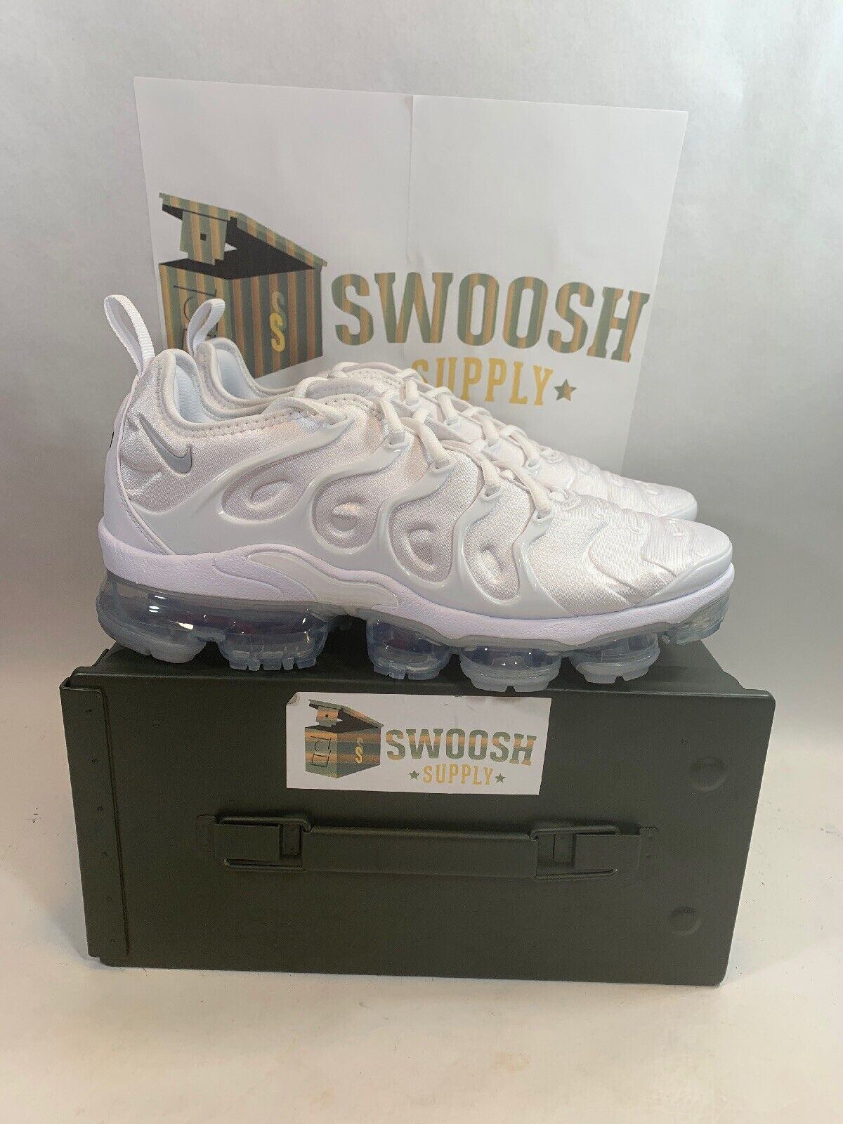 Nike Air Vapormax Triple White Pure Platinum Plus 924453-100 All White Sz 10.5