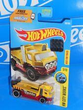 2017 Hot Wheels City Works Repo Duty Yellow 355 RLC Factory Set HTF