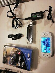 Sony PSP 3004 blanche nacrée (white pearl) cracké + accessoires