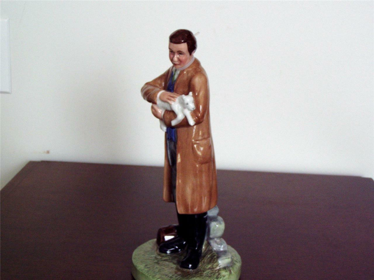 NEW ROYAL DOULTON CLASSICS COUNTRY VETERINARY FIGURINE - RARE