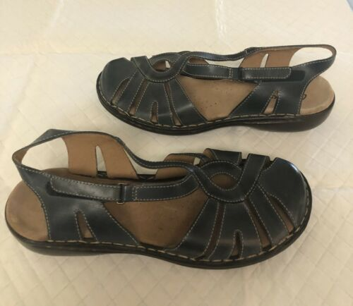 CLARKS Sandals size 11 Bendables Leather Closed To