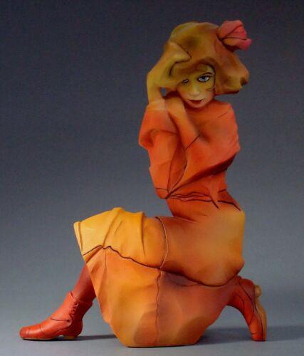SCHIELE Skulptur Kniendes Mädchen in orange-rotem Kleid Parastone Museum SCH02