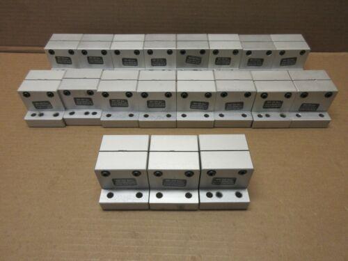 5930     L9 80//20 Inc 15 Series Horizontal Stanchion Base No