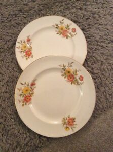 VINTAGE TWO WEATHERBY HANLEY FALCON WARE YELLOW amp RED FLOWER SMALL DINNER PLATE - Fochabers, United Kingdom - VINTAGE TWO WEATHERBY HANLEY FALCON WARE YELLOW amp RED FLOWER SMALL DINNER PLATE - Fochabers, United Kingdom