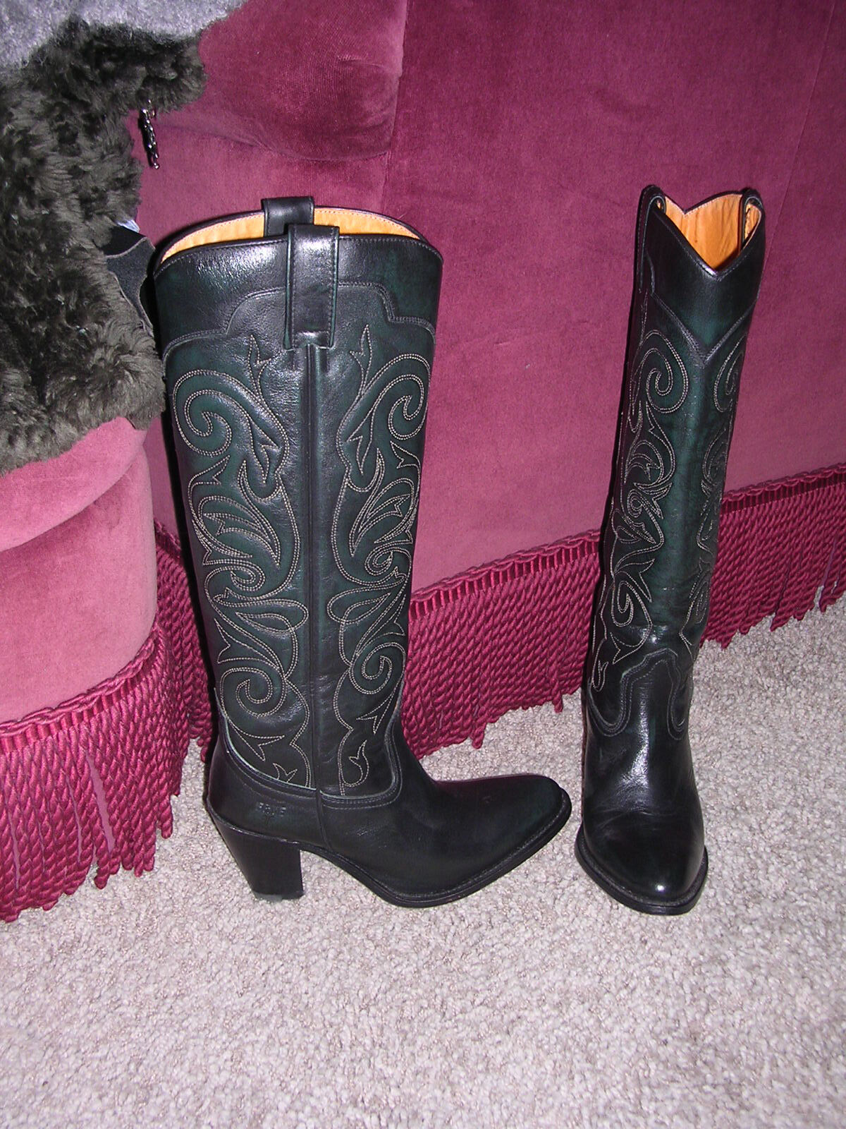 GORGEOUS  549 FRYE HIGH HEELED TALL BLACK  LEATHER BOOTS MADE IN SPAIN