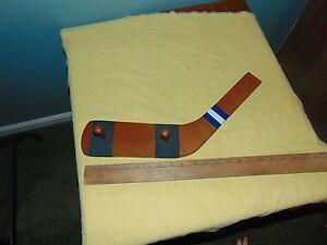 10-inch-Hockey-Blade-coat-hat-rack-blue-and-white-homemade