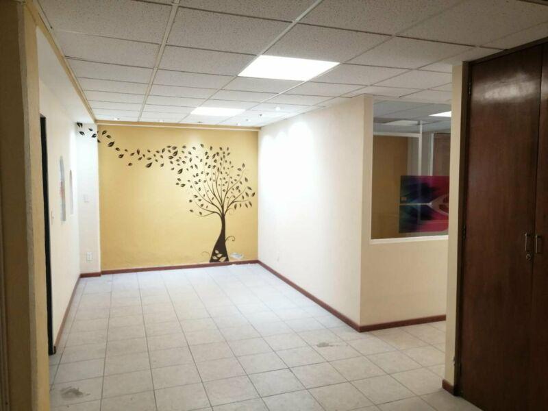 Renta Amplia Oficina en Colonia Cuauhtemoc