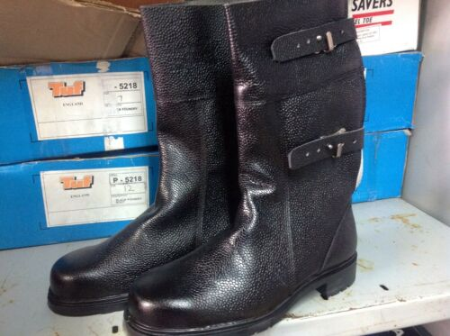 TUF  FOUNDARY RIGGER BOOTS SIZE 7