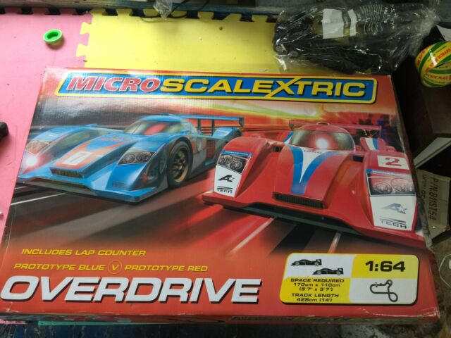 Micro Scalextric 1:64   Red and Blue Hand Set