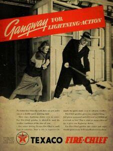 1937-TEXACO-FIRE-CHIEF-GAS-SHOVELING-SNOW-HEAVY-DUTY-USA-MADE-METAL-ADV-SIGN