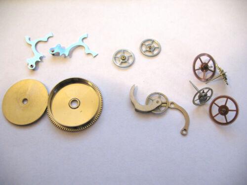 VALJOUX 5 CHRONOGRAPH ASSORTED MOVEMENT PARTS