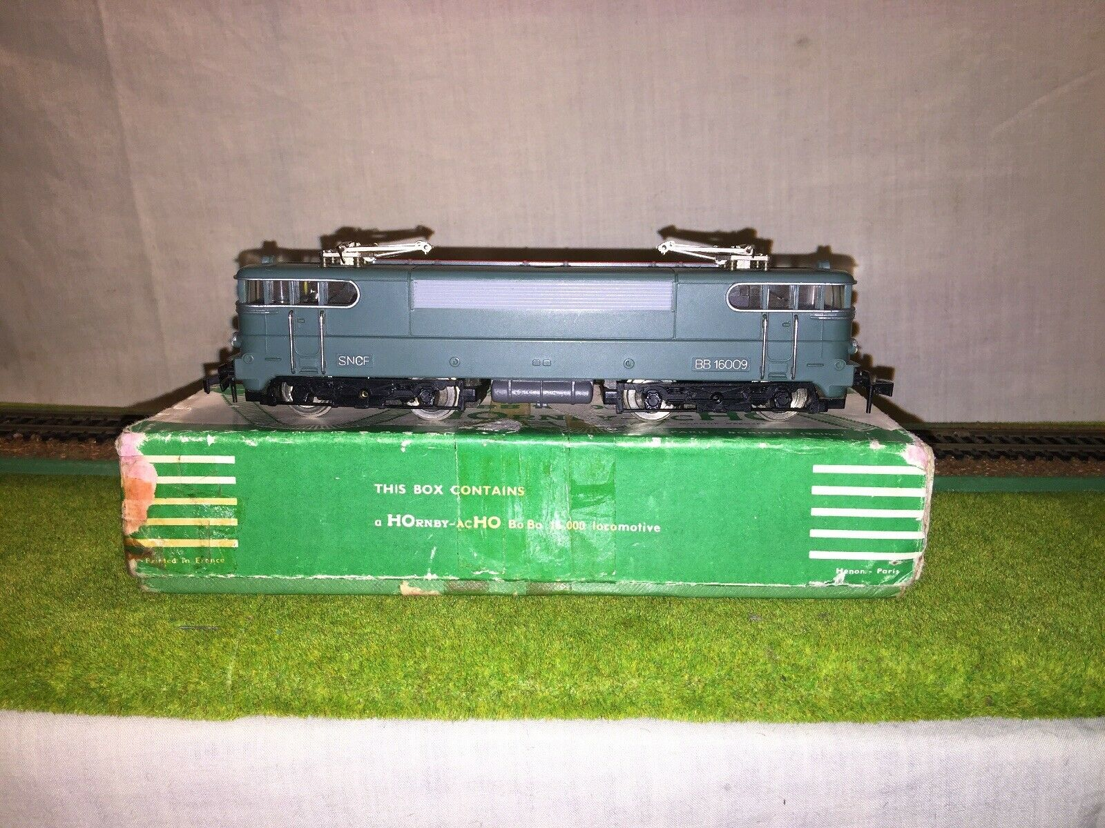 Hornby Acho 2 Rail 638 BoBo 16.000 SNCF Electric Loco VG scatolaed Serviced.